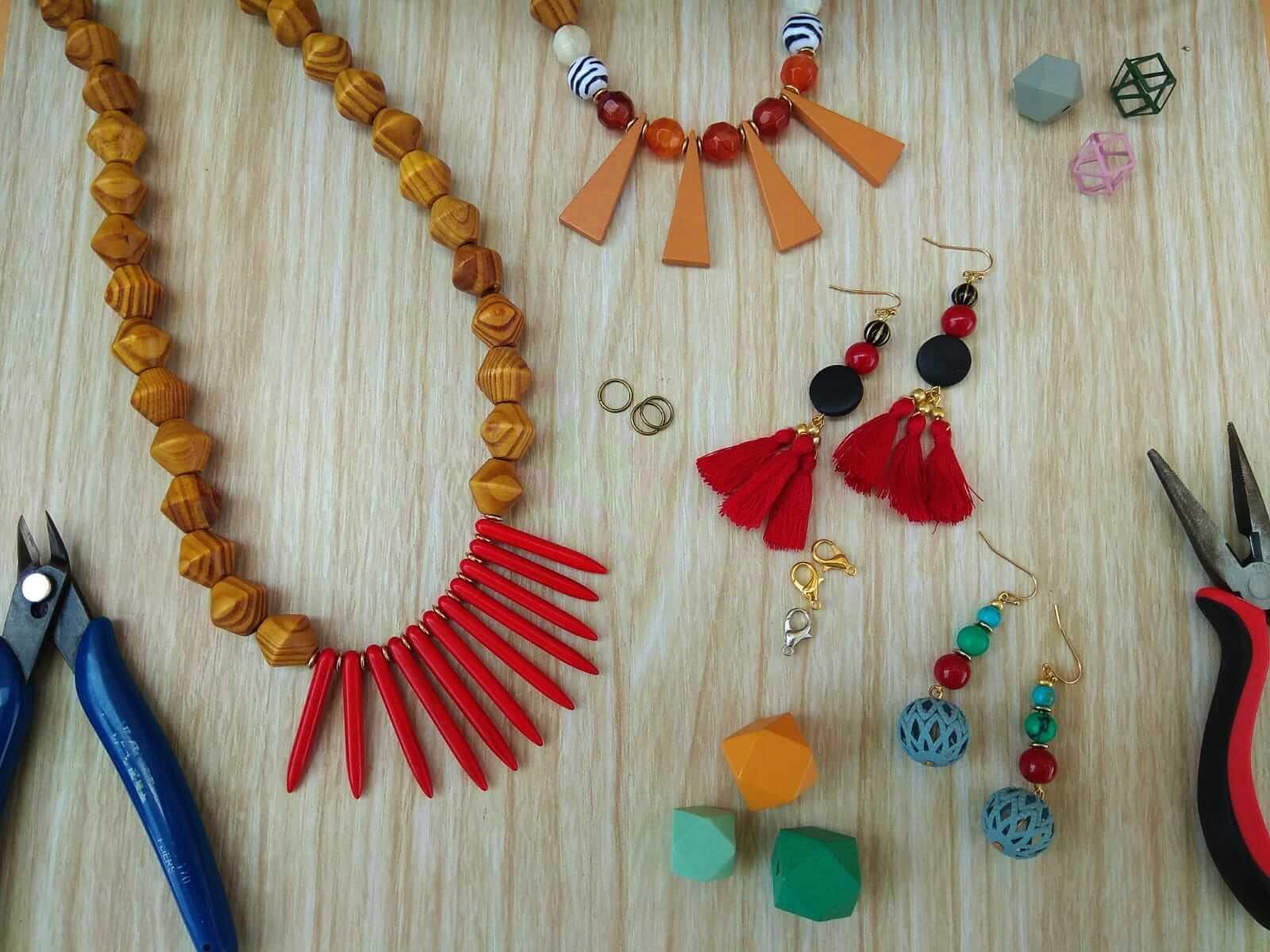 ההמלצה הטובה ביותר לסדנאות לנערות – סדנת תכשיטים!