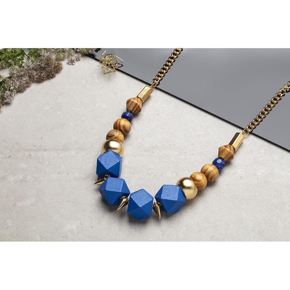 אנו באומנות מתגלגלת, יודעים ליצור סדנת תכשיטים מיוחדת שתפתיע כל אחת ואחת מכן!